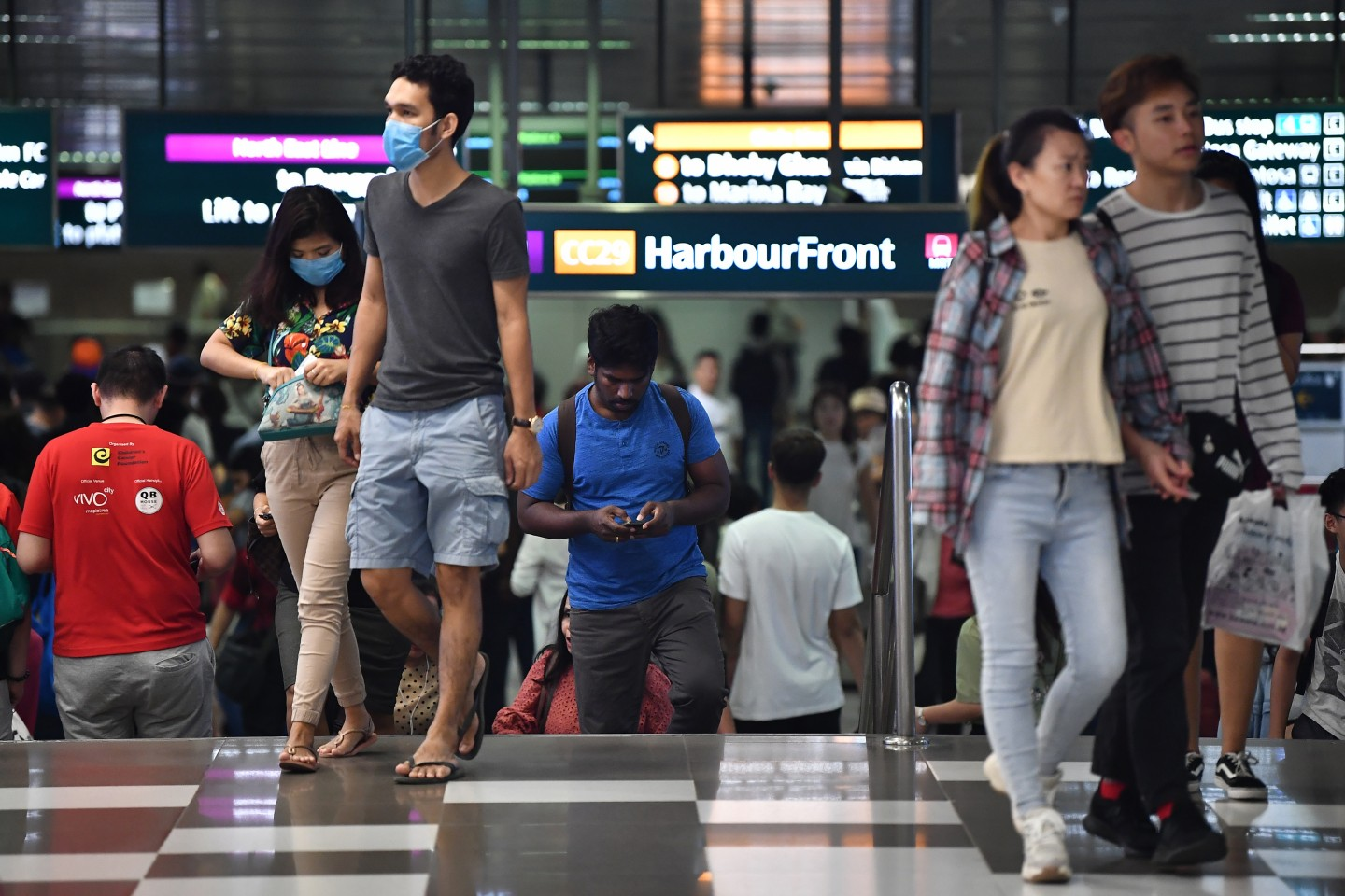 People wearing masks at VivoCity near HarbourFront MRT station in Singapore on 24 Jan 2020. (SPH)