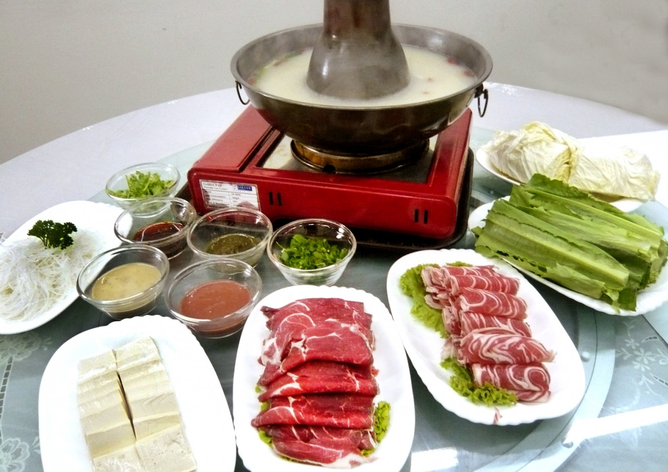 Have for yourself a hearty meal of instant-boiled mutton. (SPH)