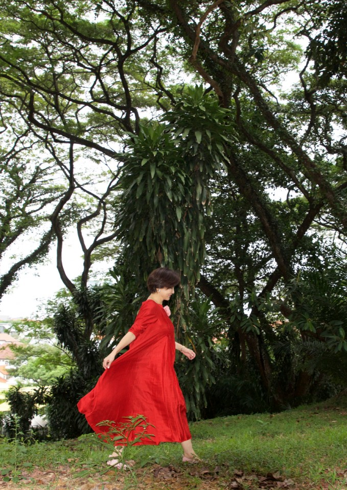 A photo of me taking a stroll in the forest. (Photographer: Xu Fugang)