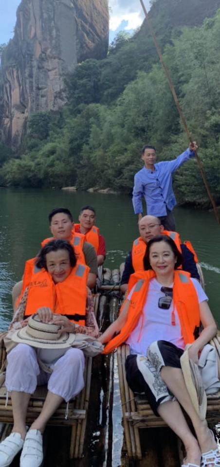 A ride on Jiuquxi of Wuyi Mountain. (Photo: Brigitte Lin)